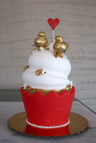 Lovebird Cupcake Cake by Whipped Bakeshop
