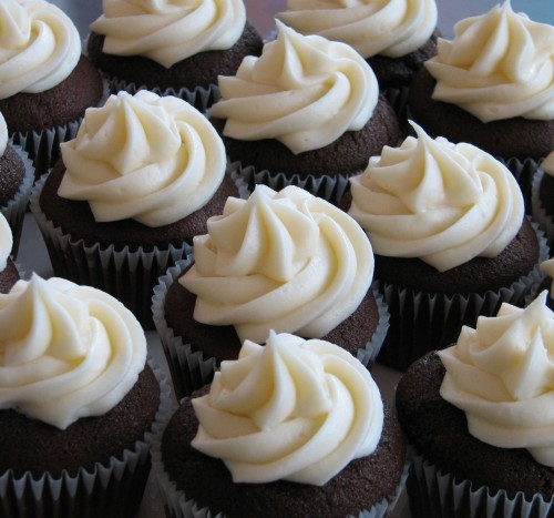 Chocolate Cupcakes with Vanilla Icing
