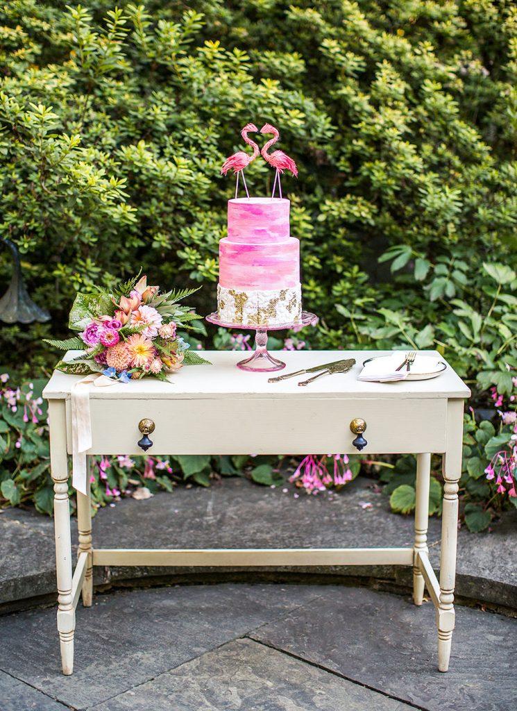 pink-rococo-wedding-cake-4-DOLA-photo