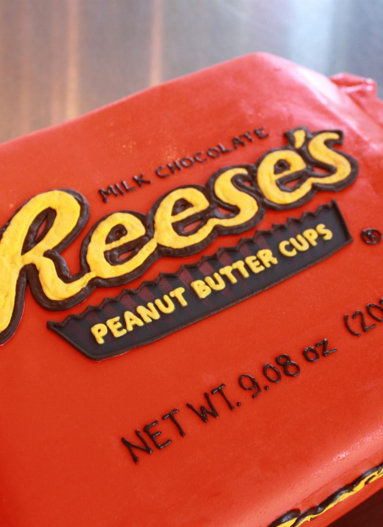 reeses-peanut-butter-cup-grooms-cake-2-whipped-bakeshop