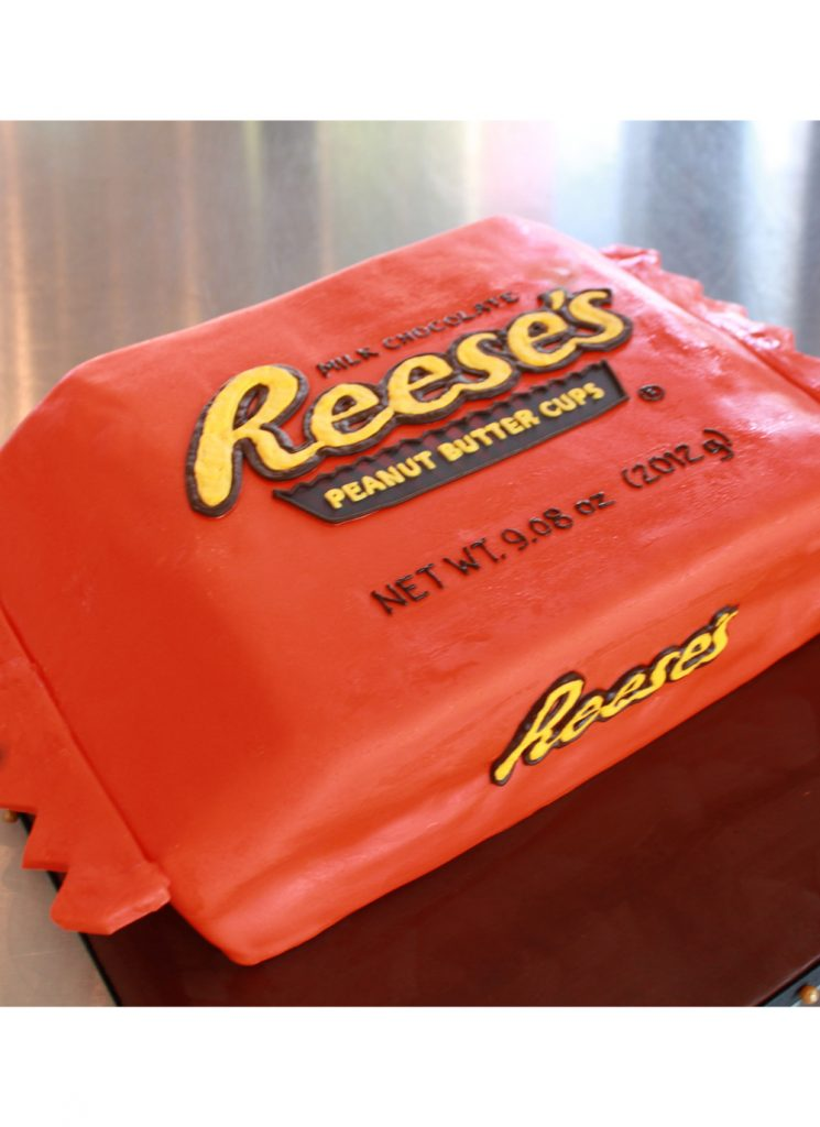 reeses-peanut-butter-cup-grooms-cake-3-whipped-bakeshop
