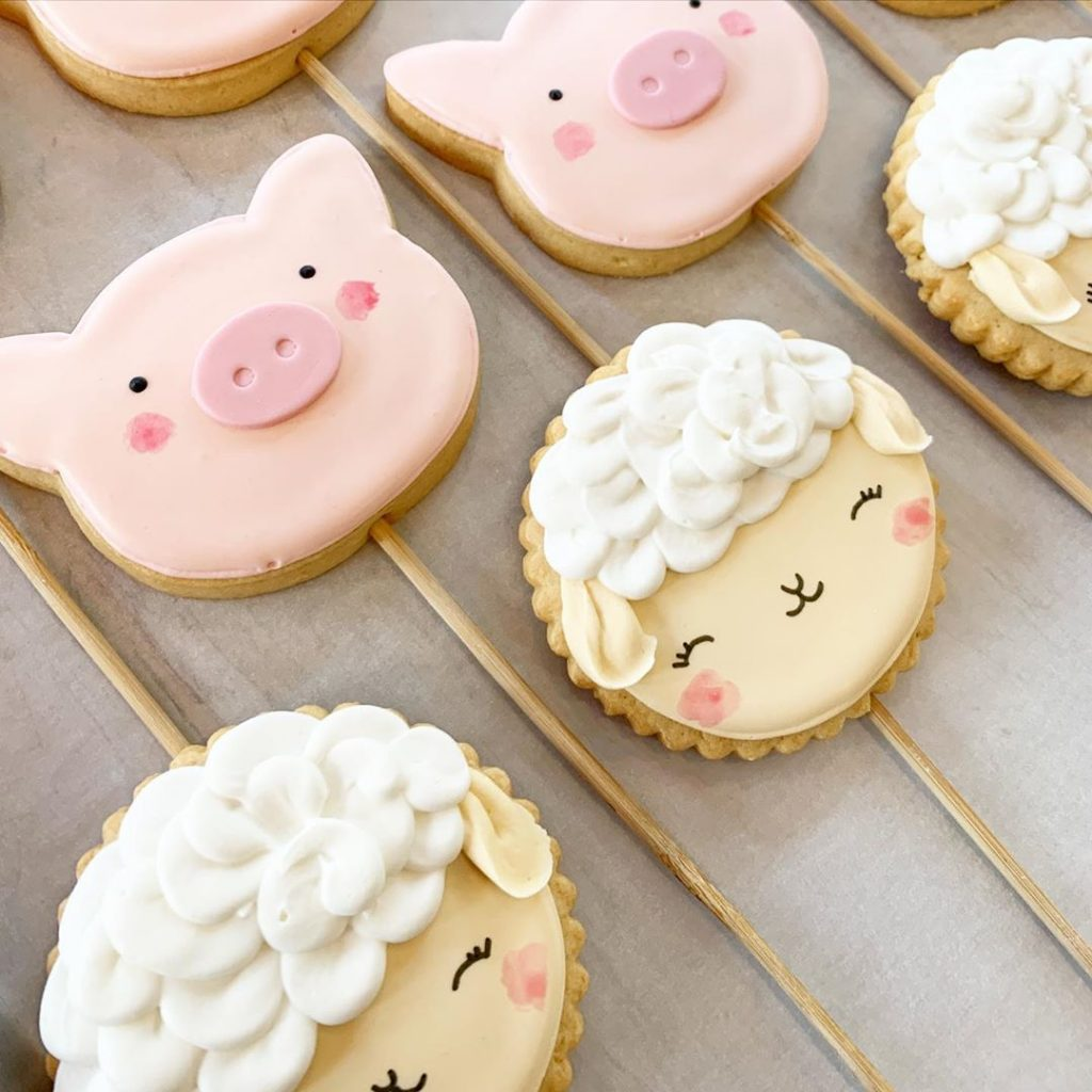 Our process delivers the finest cakes, cookies and cupcakes